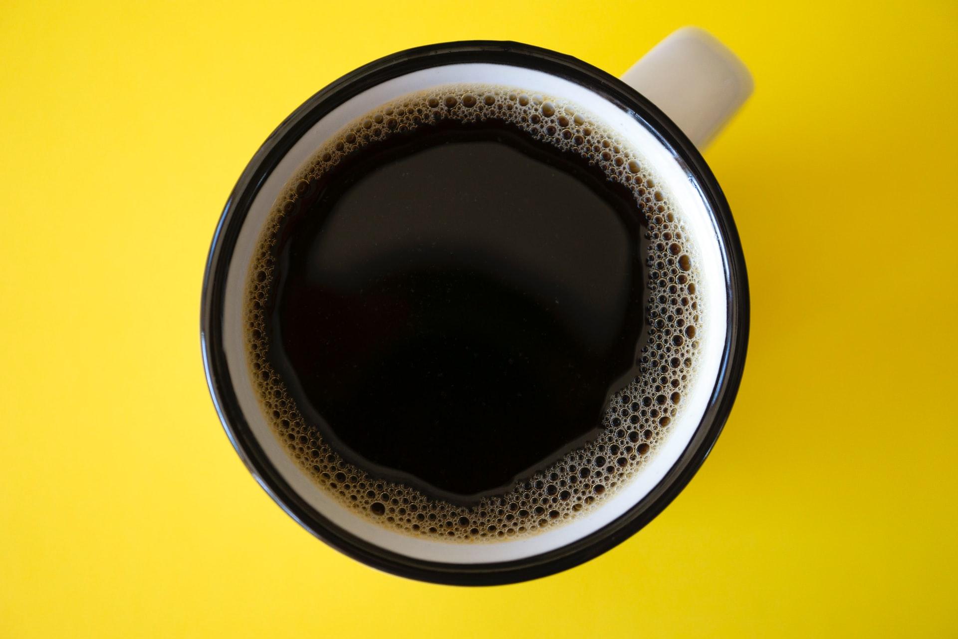 Filiżanki do kawy i herbaty – czym się różnią?